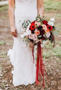 cropped-cropped-meagan-bouquet.jpg